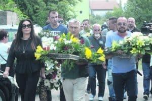 dragana mirkovich mile kitich pogrebenie 650x433