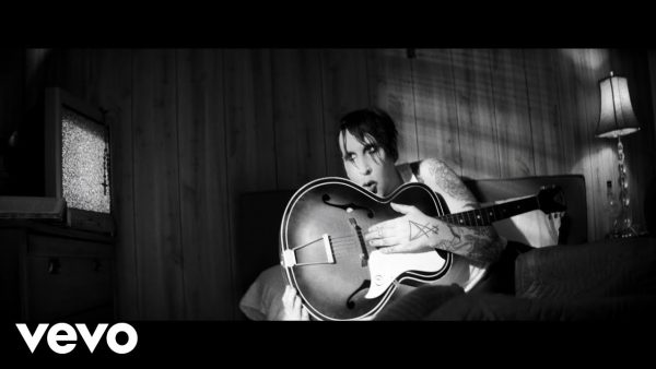 Marilyn Manson – God's Gonna Cut You Down